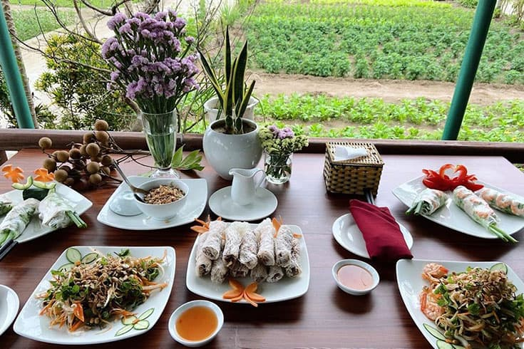 A meal in Tra Que Garden