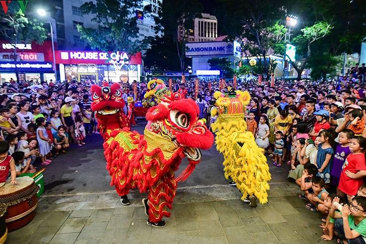 Lion Dances in Vietnamese full moon festival