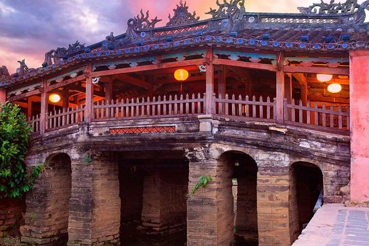 Rennovation of Japanese covered bridge