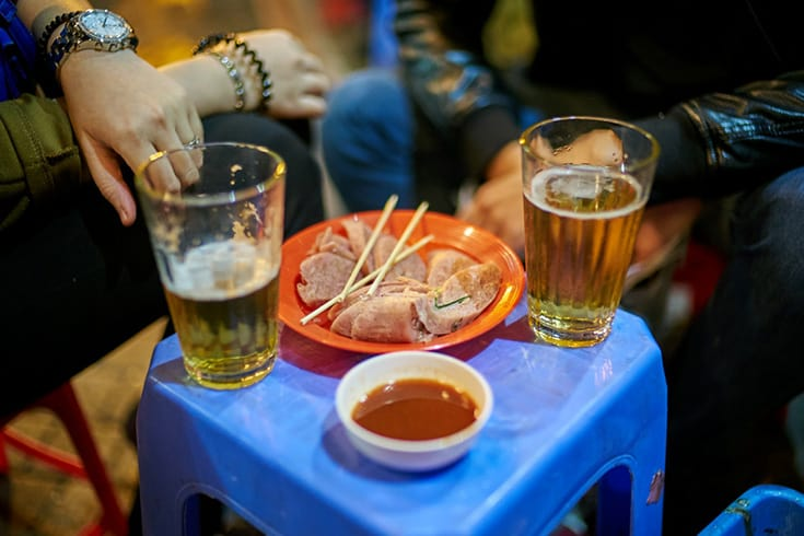 Drink caft beers in Nha trang at night