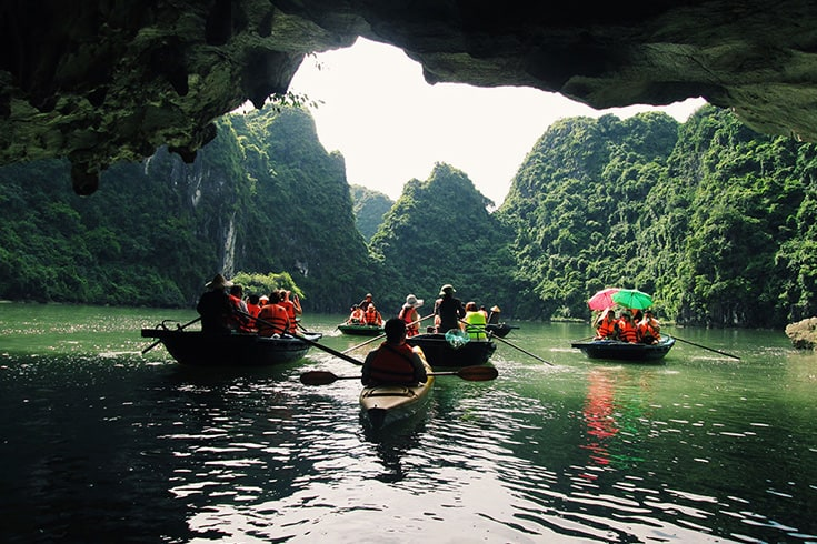 Kayaking through Luon Cave