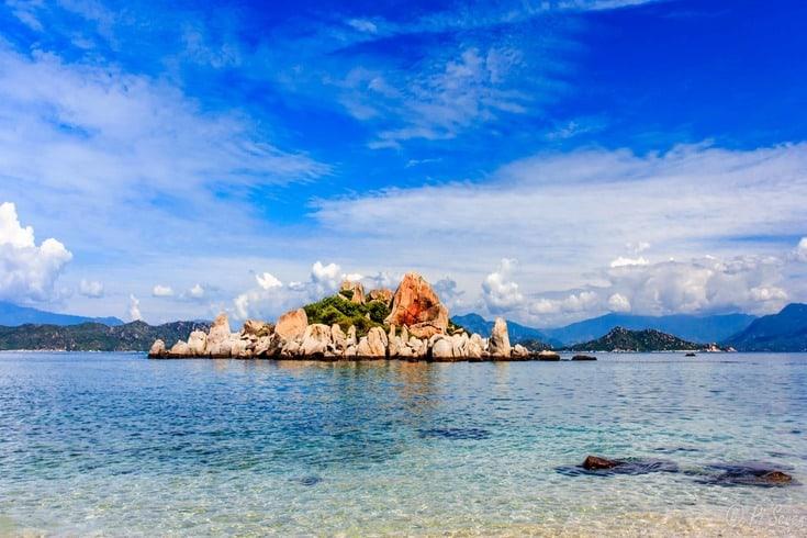 The beauty of Binh Ba Island