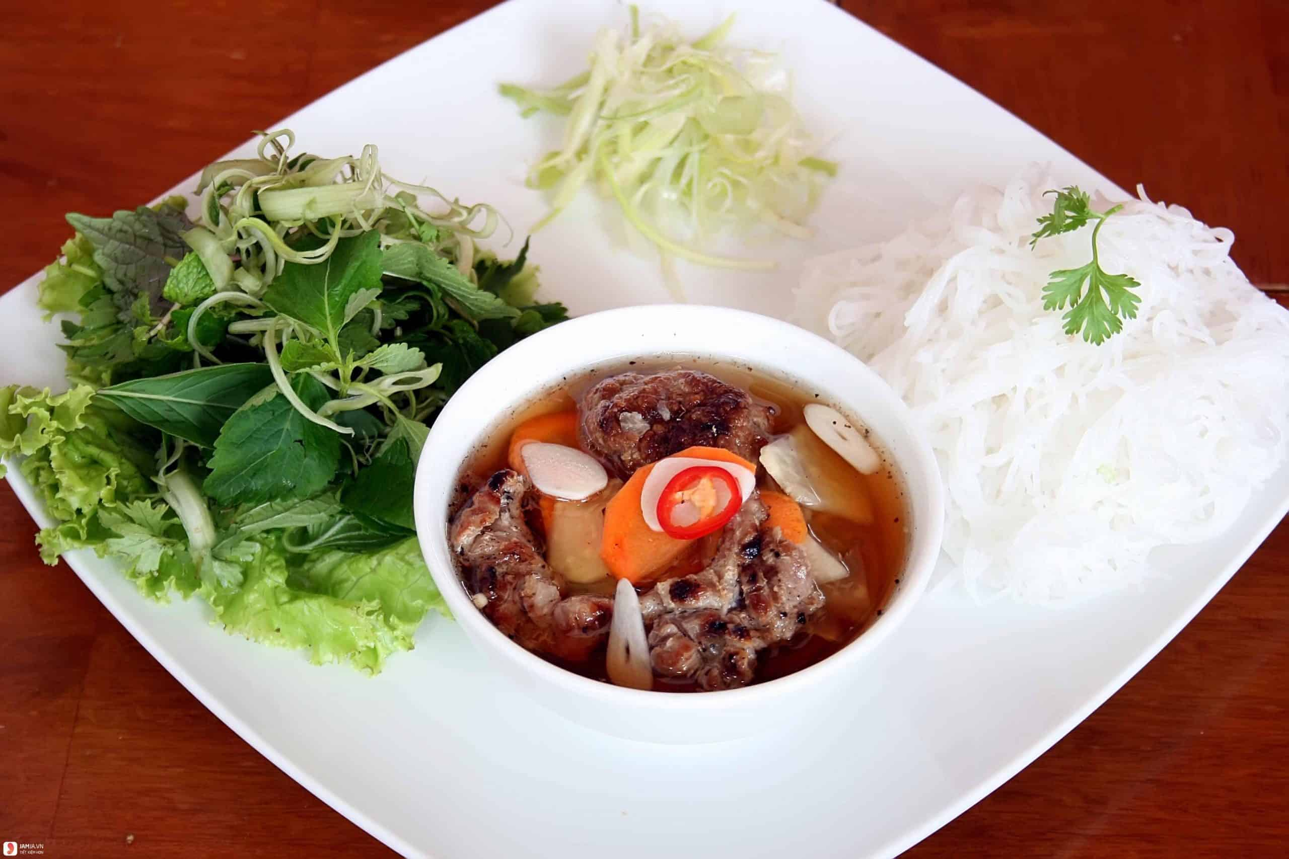 Bun Cha - Vietnamese Grilled Meat Vermicelli