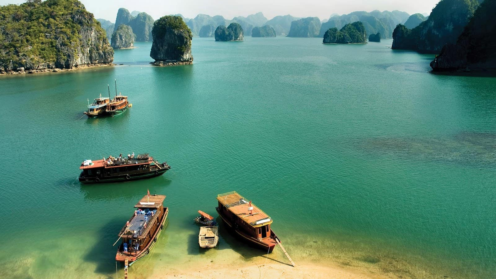 Best time to visit Halong Bay for great weather