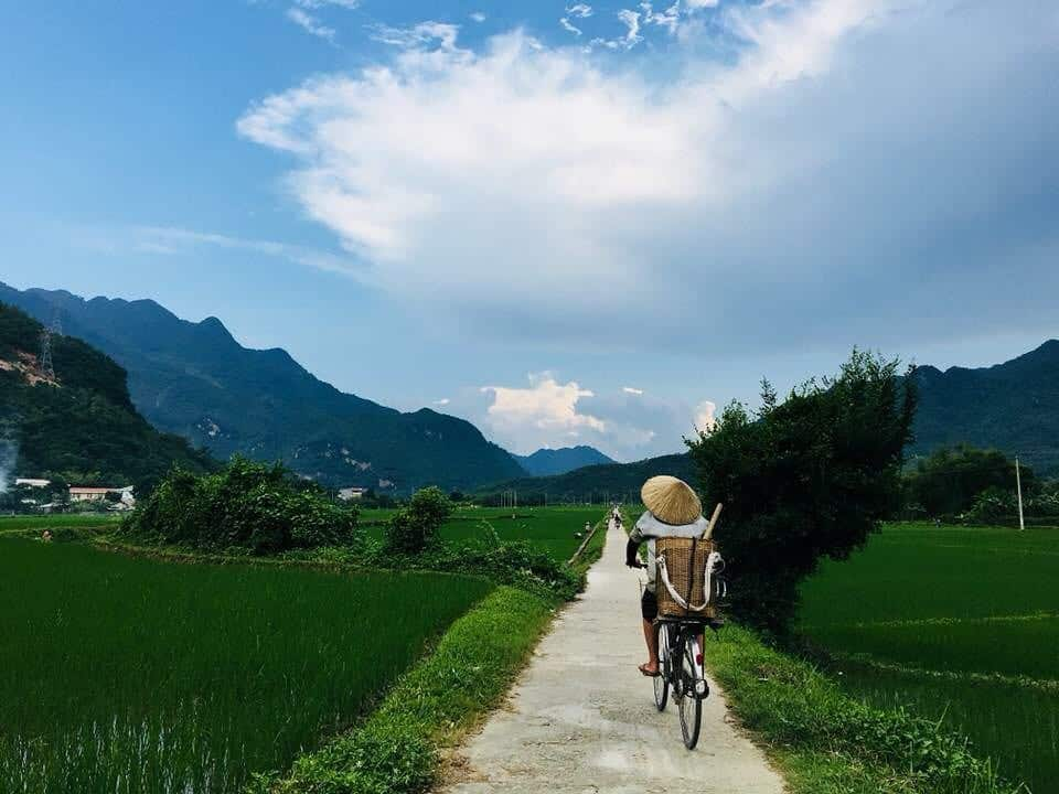 Cycle around Mai Chau valley