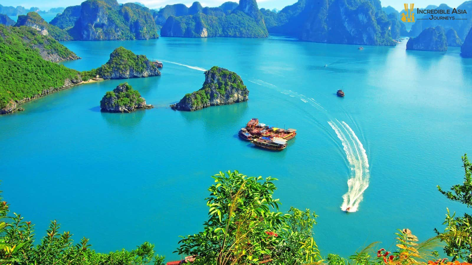 Luon Cave in Halong bay