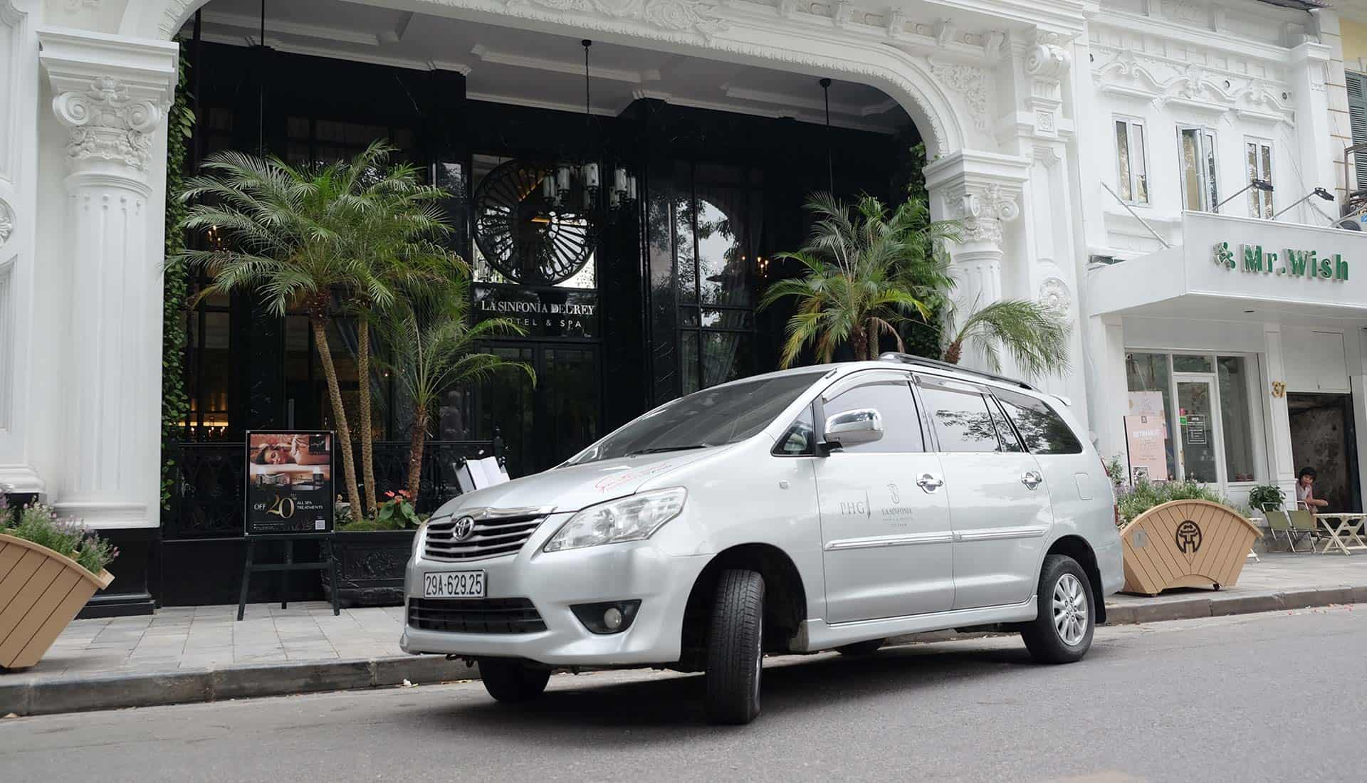 Travel from Noi Bai Airport to Halong Bay by Private Car