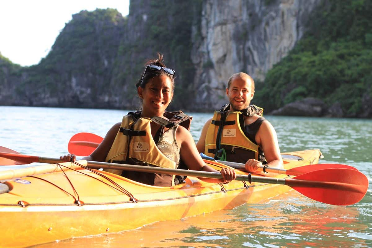kakaying in Halong bay in January
