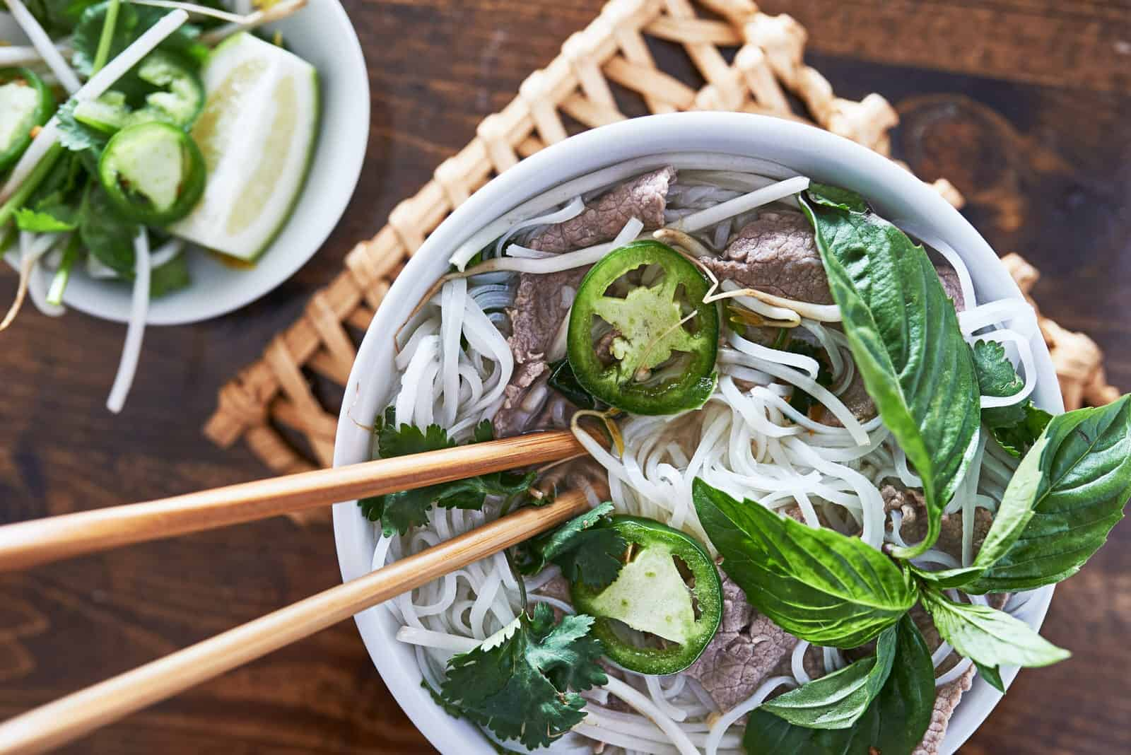 what to eat during 2 days in hanoi - Vietnamese rice noodle