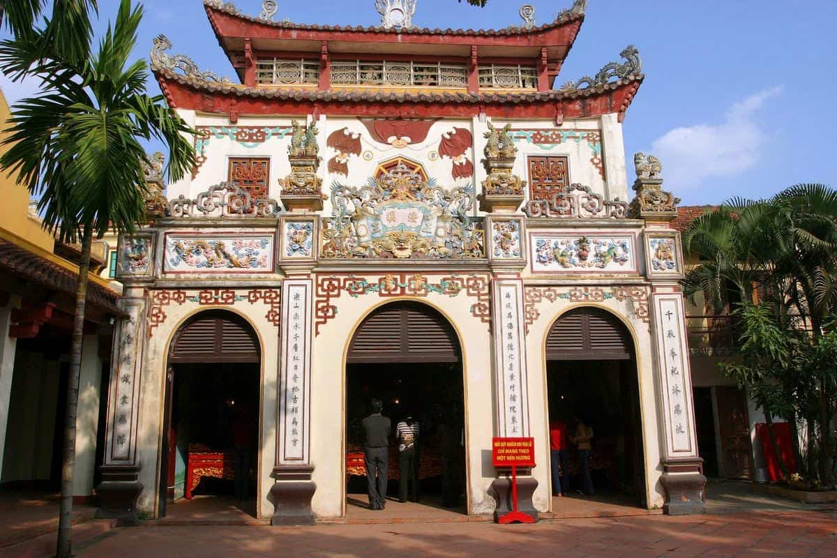 History of Tay Ho temple