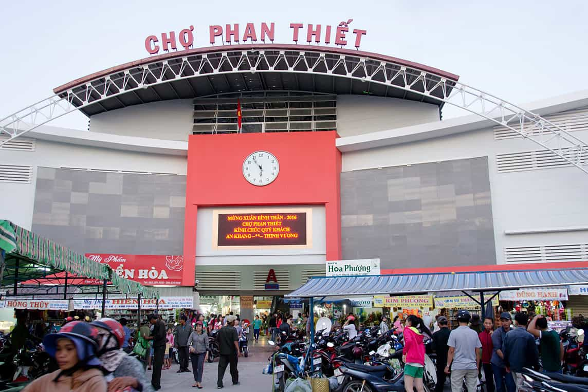Phan thiet central market to shop in Mui Ne