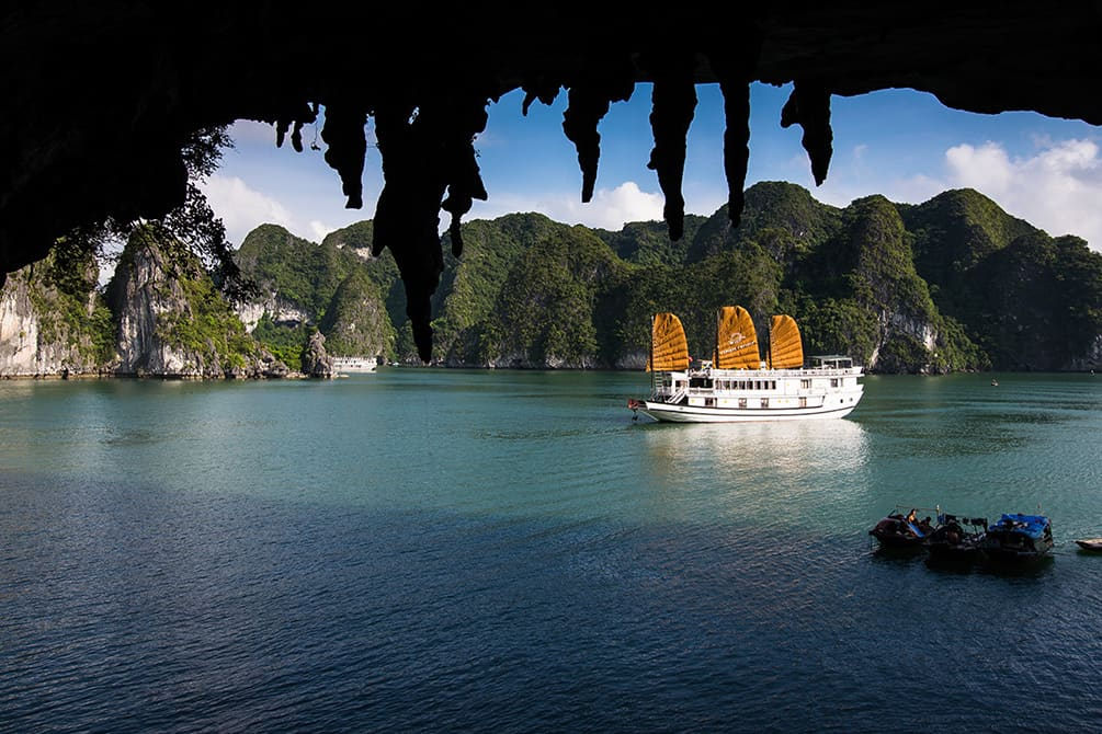 Halong Bay One Day Cruise from Hanoi