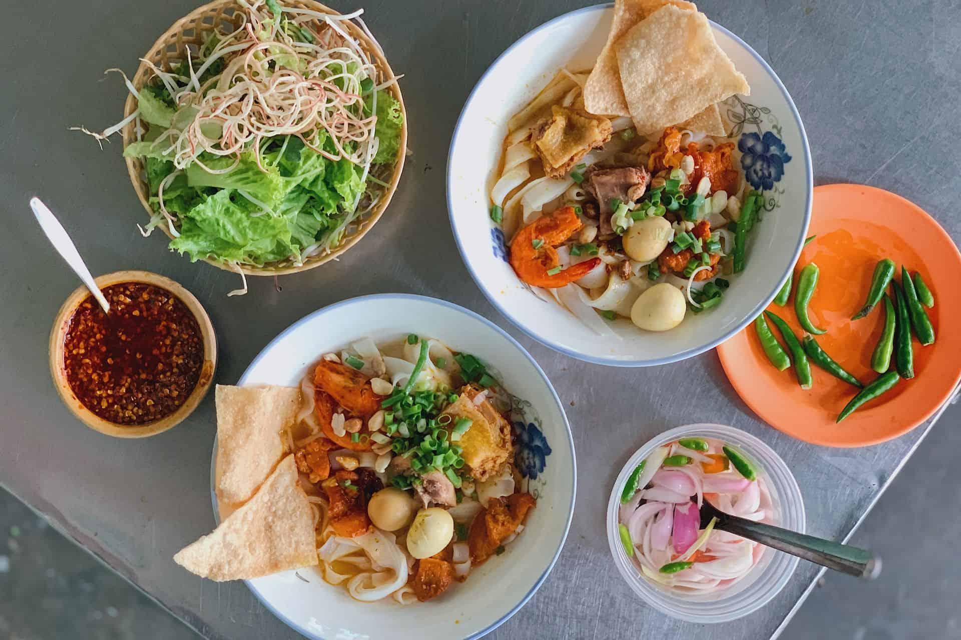 Mi Quang - what to eat in Con Market Da nang