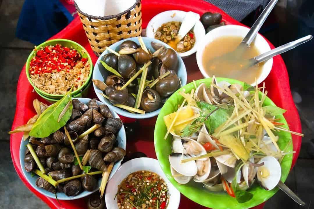 Oc - Shellfish - Dishes for a rainy day in Hanoi