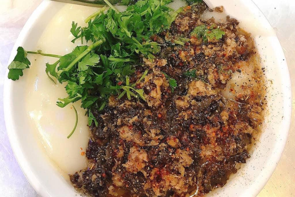 Plain rice flan - Banh Duc in hanoi