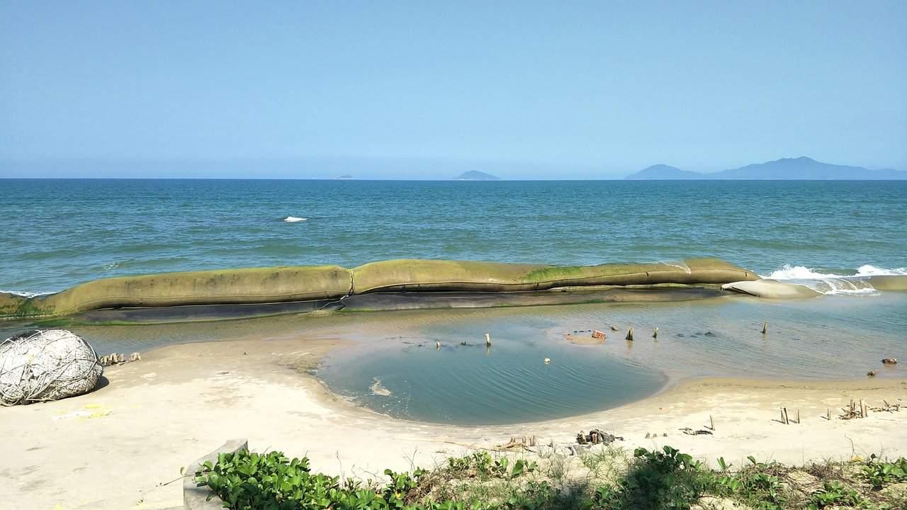What to do in Cua Dai beach