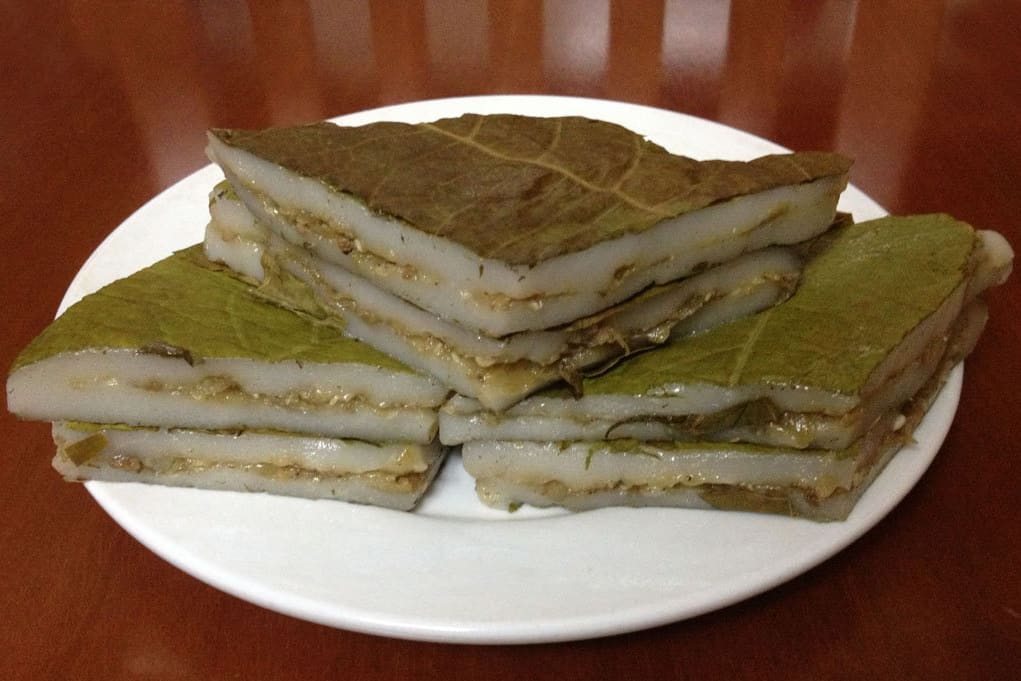 Ant's Egg Cake - what to eat in Ban Gioc waterfall