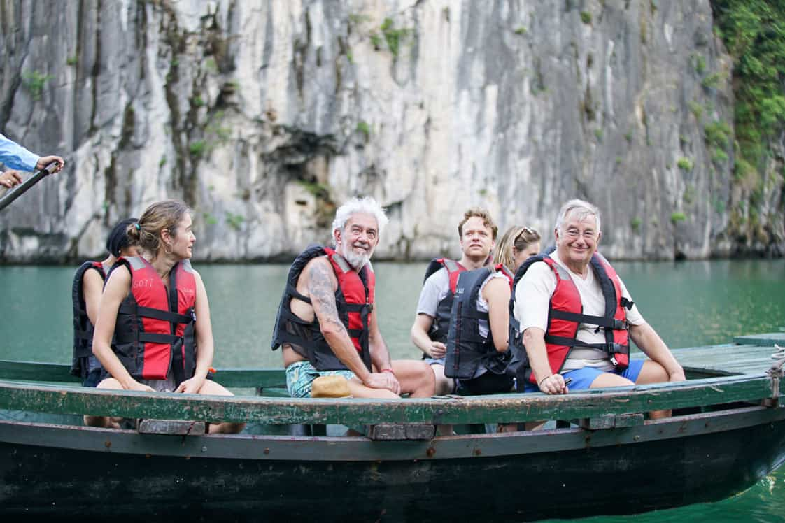 Small group Day Tour in Halong Bay with Luxury Shuttle and Highways