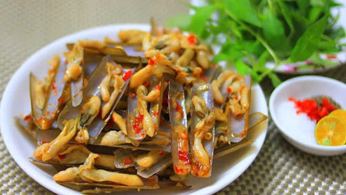 Nail-shaped-shellfish