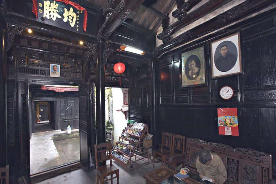 Quan Thang Ancient House Antiques