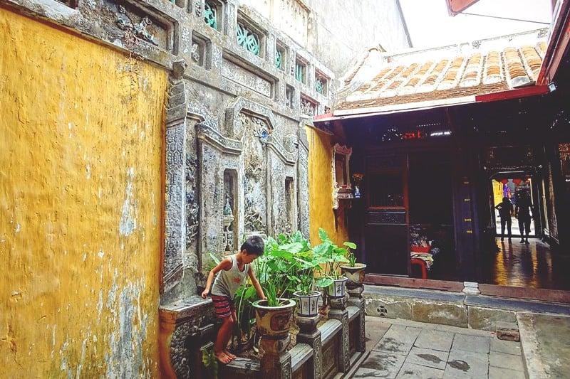Quan Thang Ancient House Materials