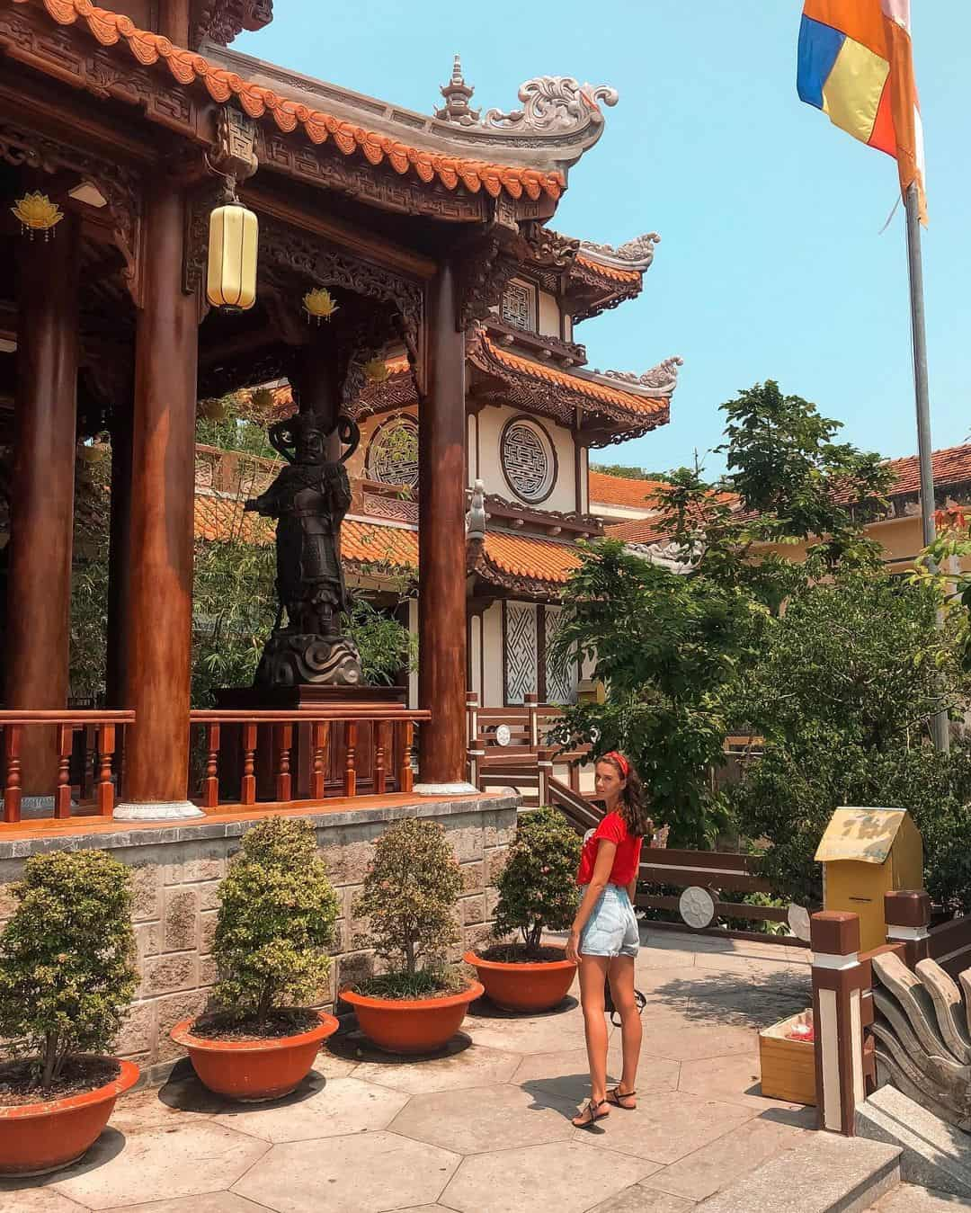 What to do in Long Son pagoda