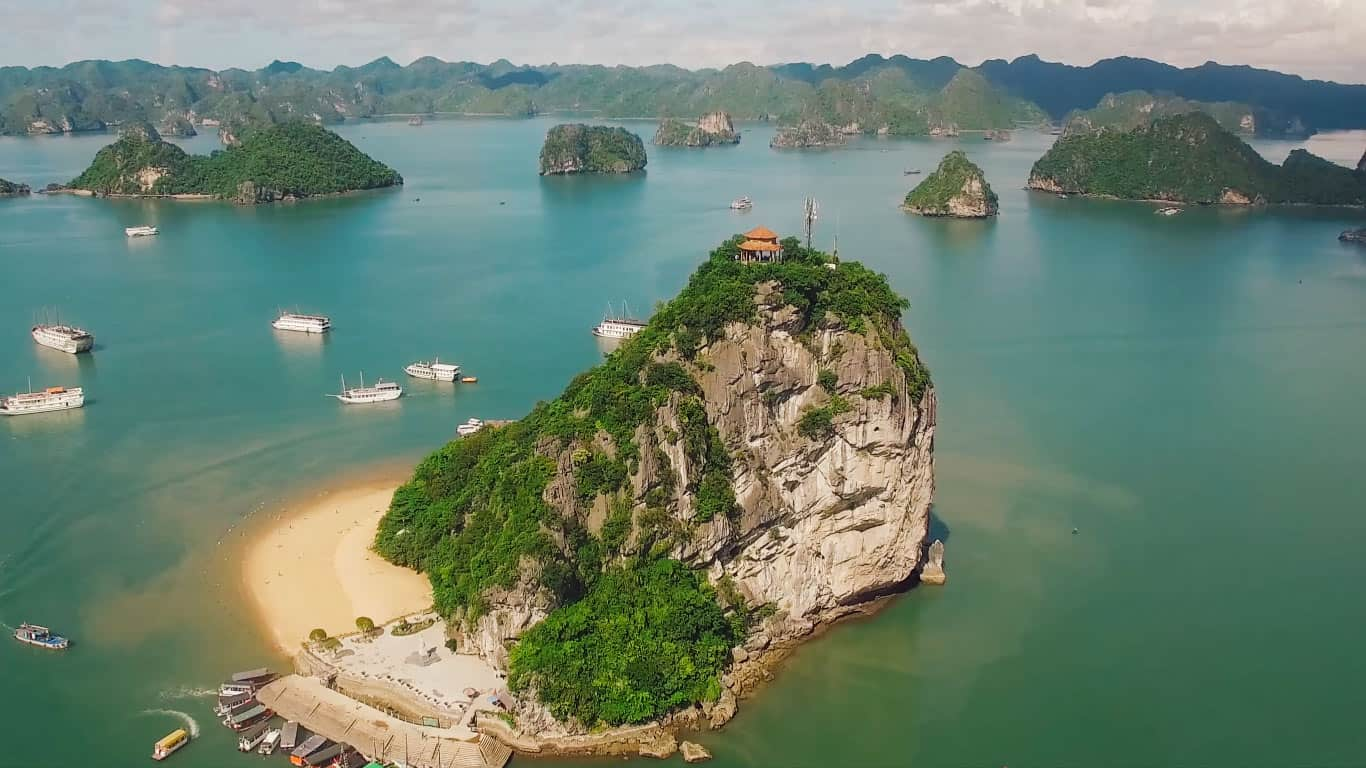 Halong Bay All-Inclusive 2-Day Tour at BEST CRUISES