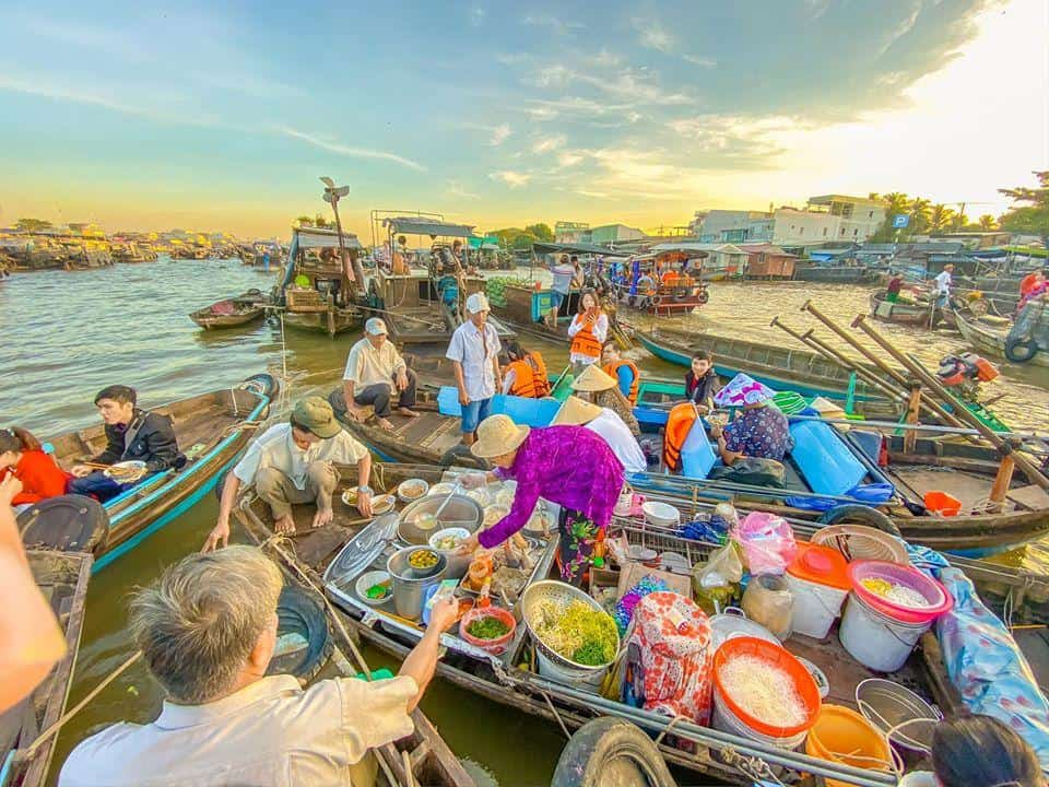 Cai Rang Floating Market Best Time