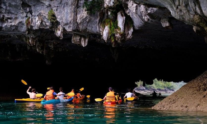 Cat Ba Kayaking Experiences