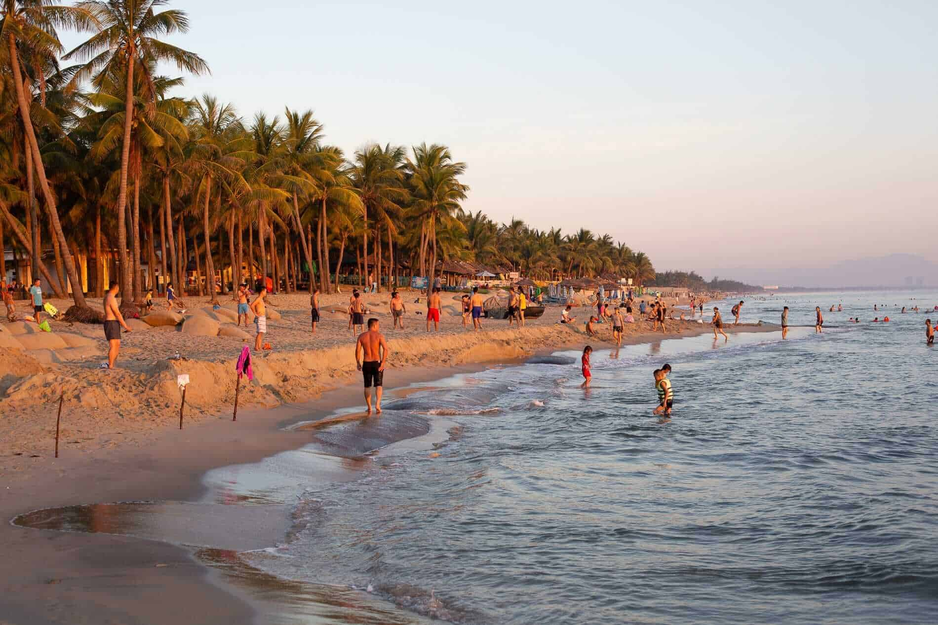Cua Dai Beach Best Time