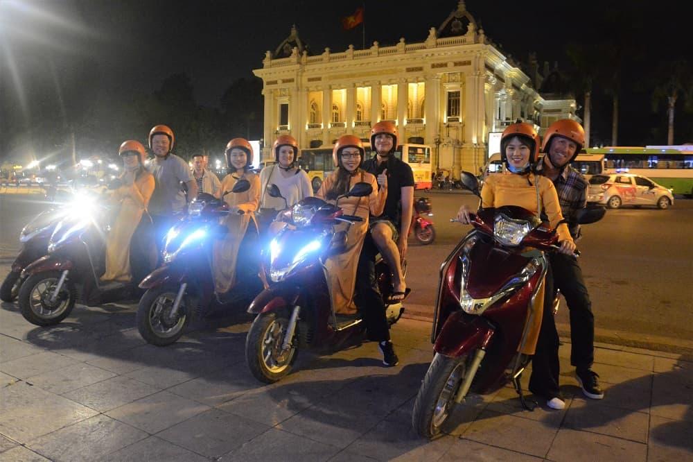 Hanoi Motorbike Night Street Food Tour: Nightlife & Night Food