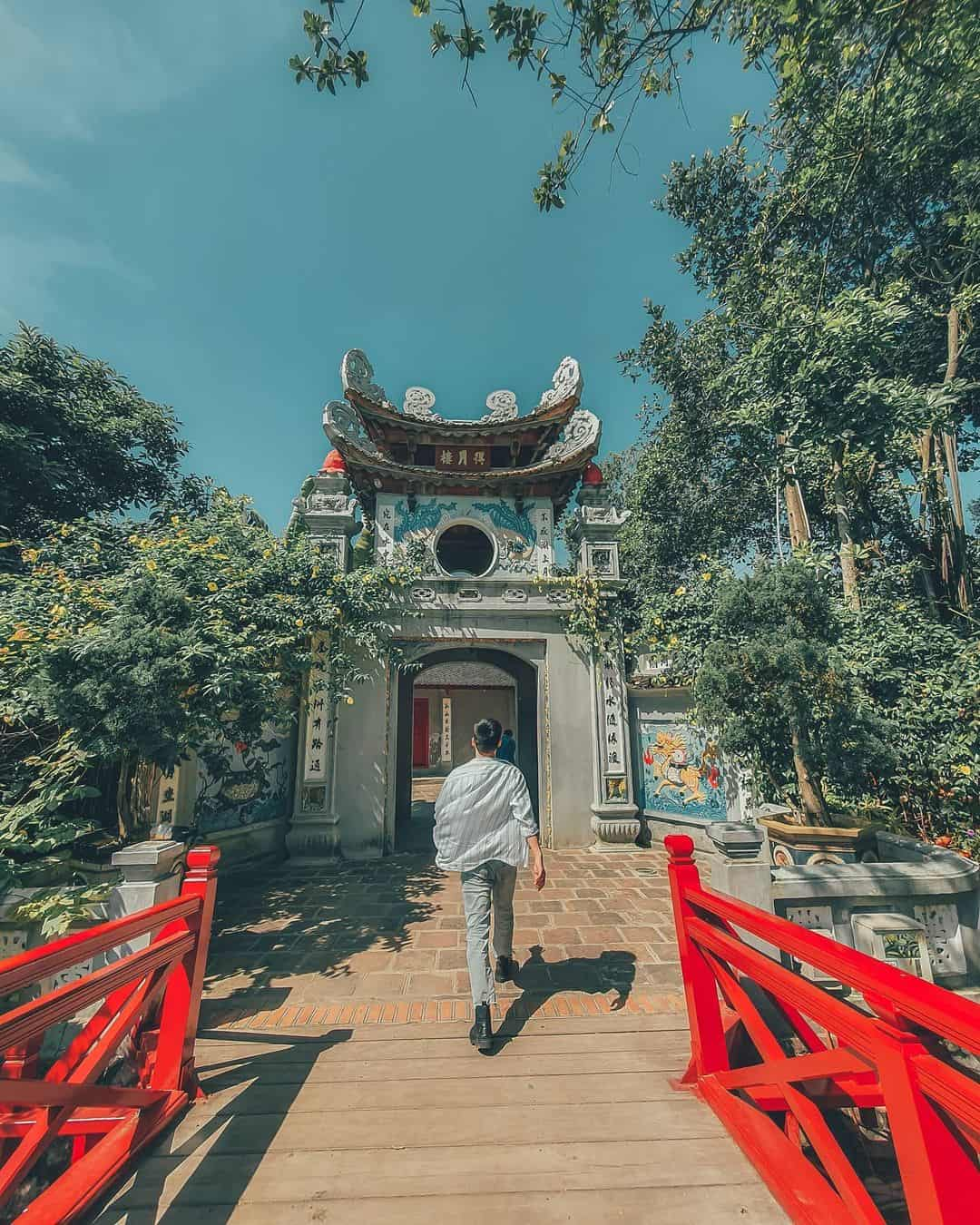 Highlights of Ngoc Son temple