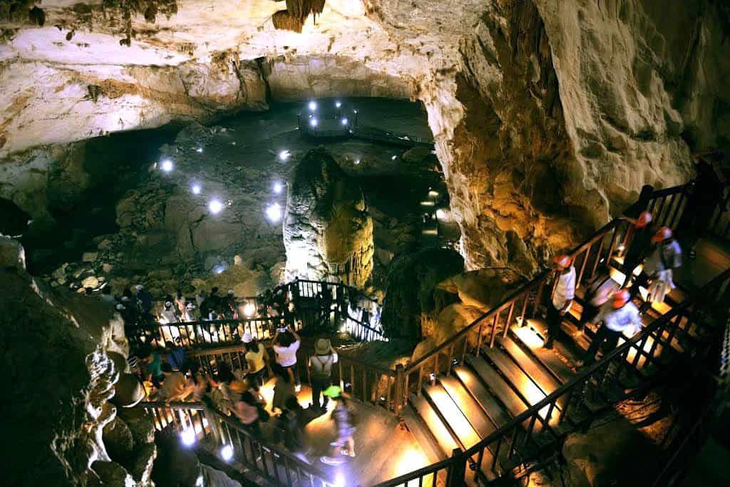 Paradise Cave Explore