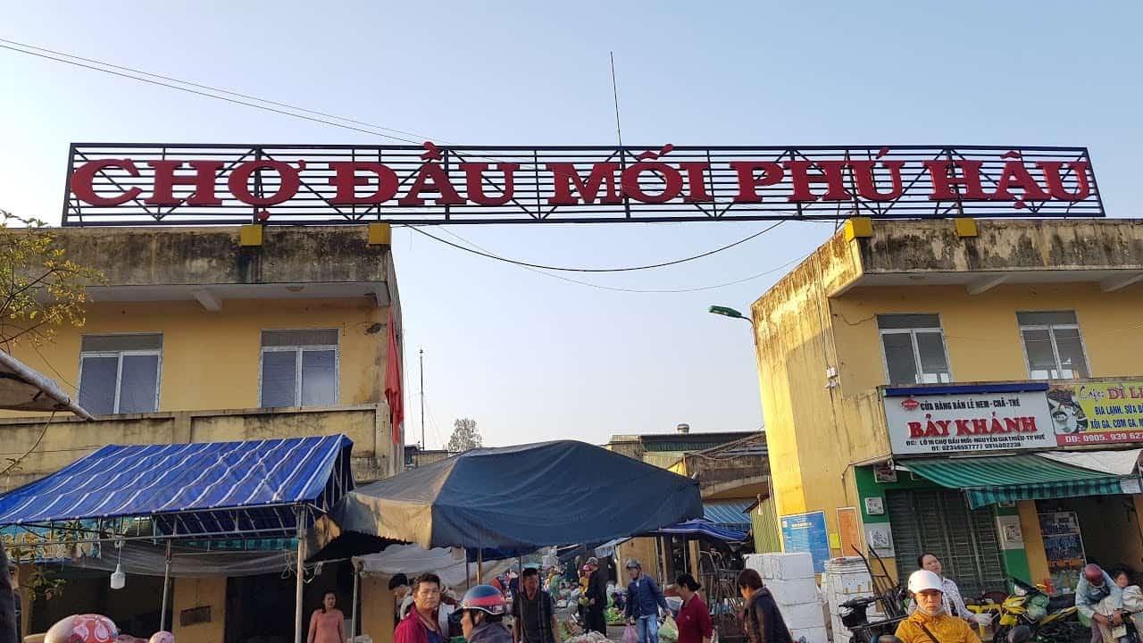 Phu-Hau-Market