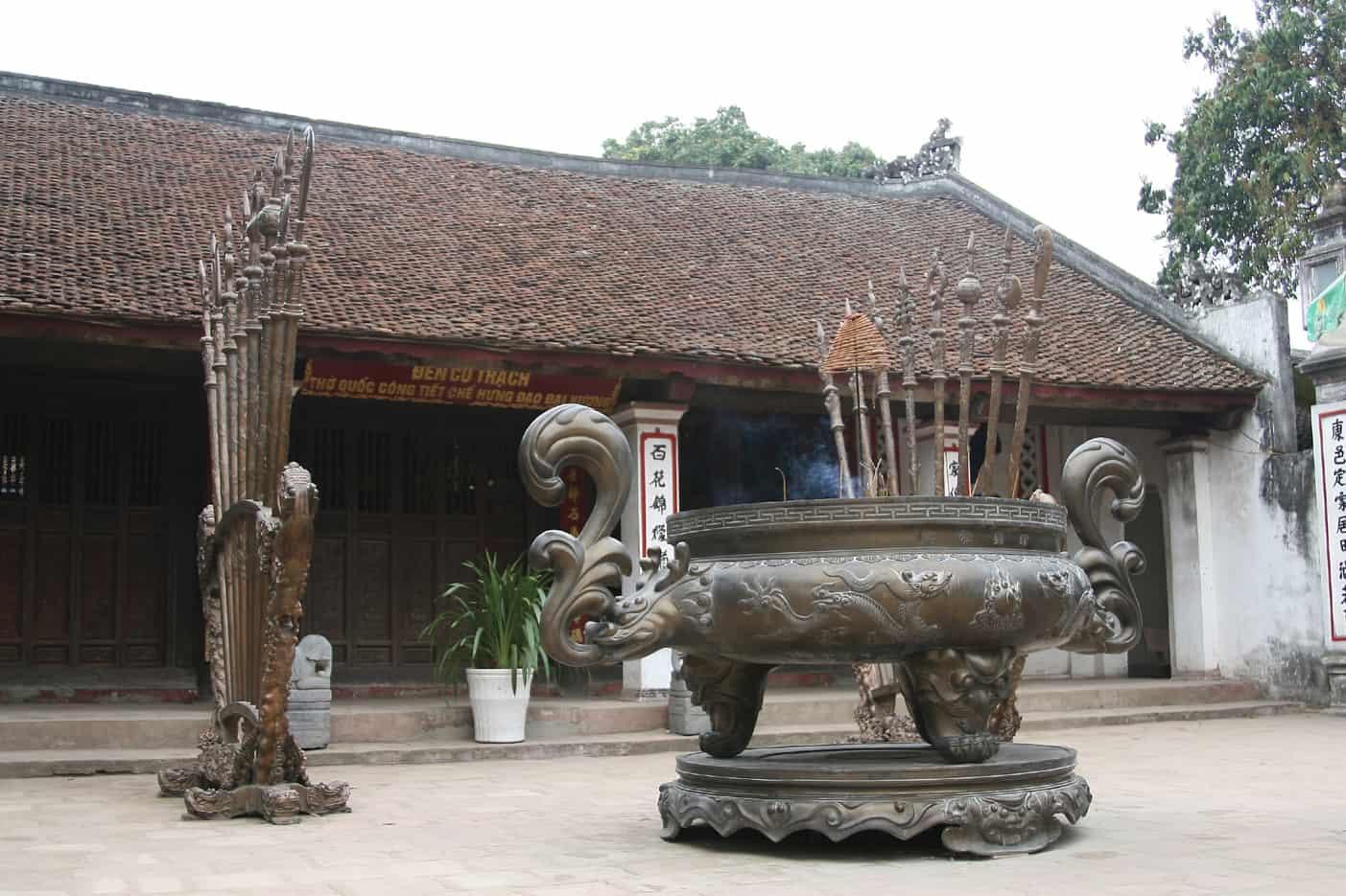 Tran Temple Festival Co Trach Temple