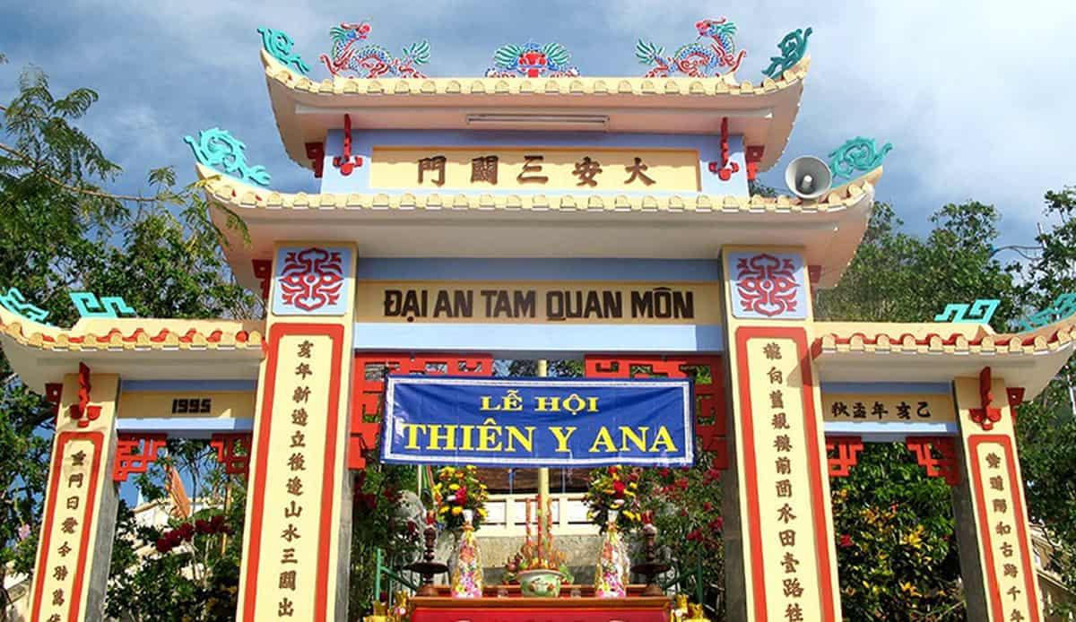 Am Chua Festival  in Nha Trang