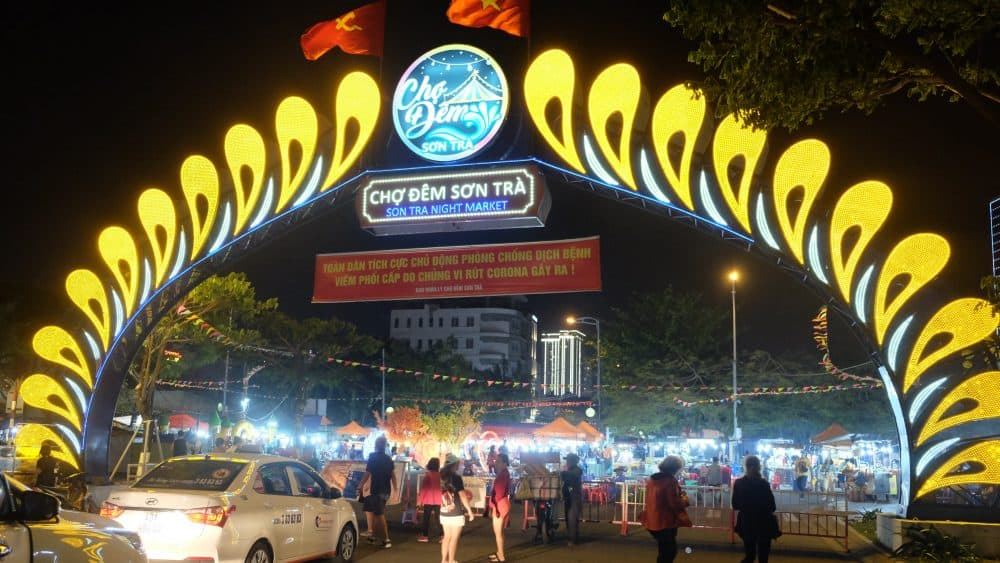 son-tra-night-market