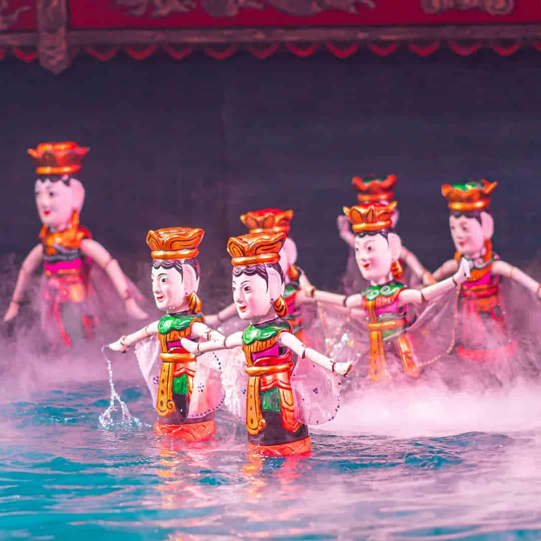 water puppet show in Thang Long water puppet theatre