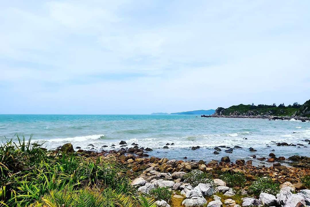What to see and do near Minh Chau beach