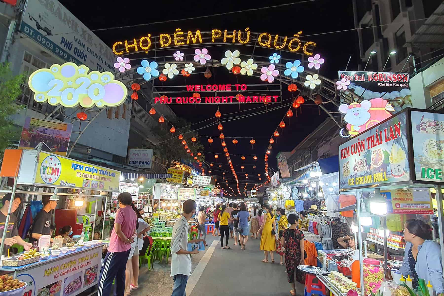 Bach Dang Night Market - Vietnam night markets