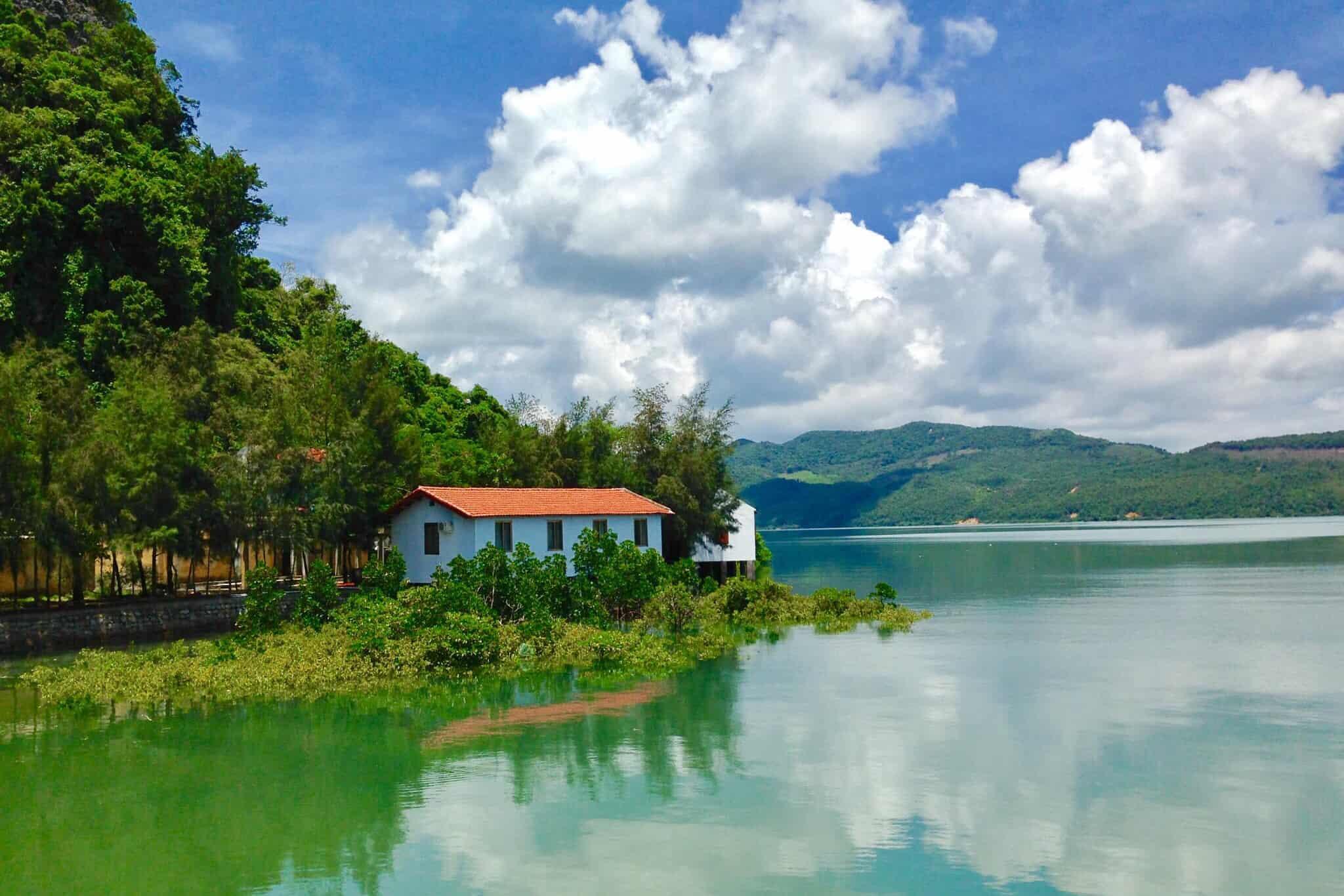 Beauty of Banh Sua island