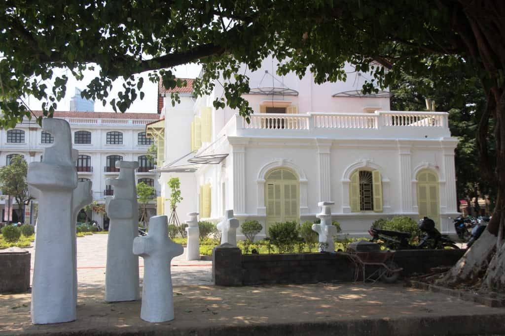 Best Nightlife in Hue Diem Phung Thi Art Museum