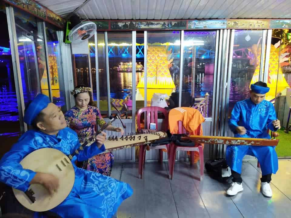 Best Nightlife in Hue Folk Songs