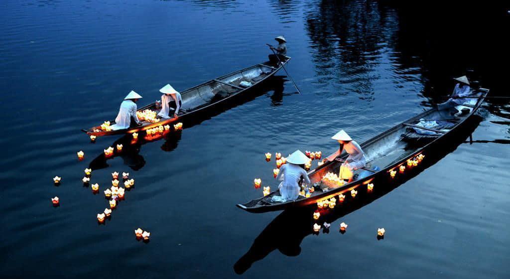 Best Nightlife in Hue Release Lanterns