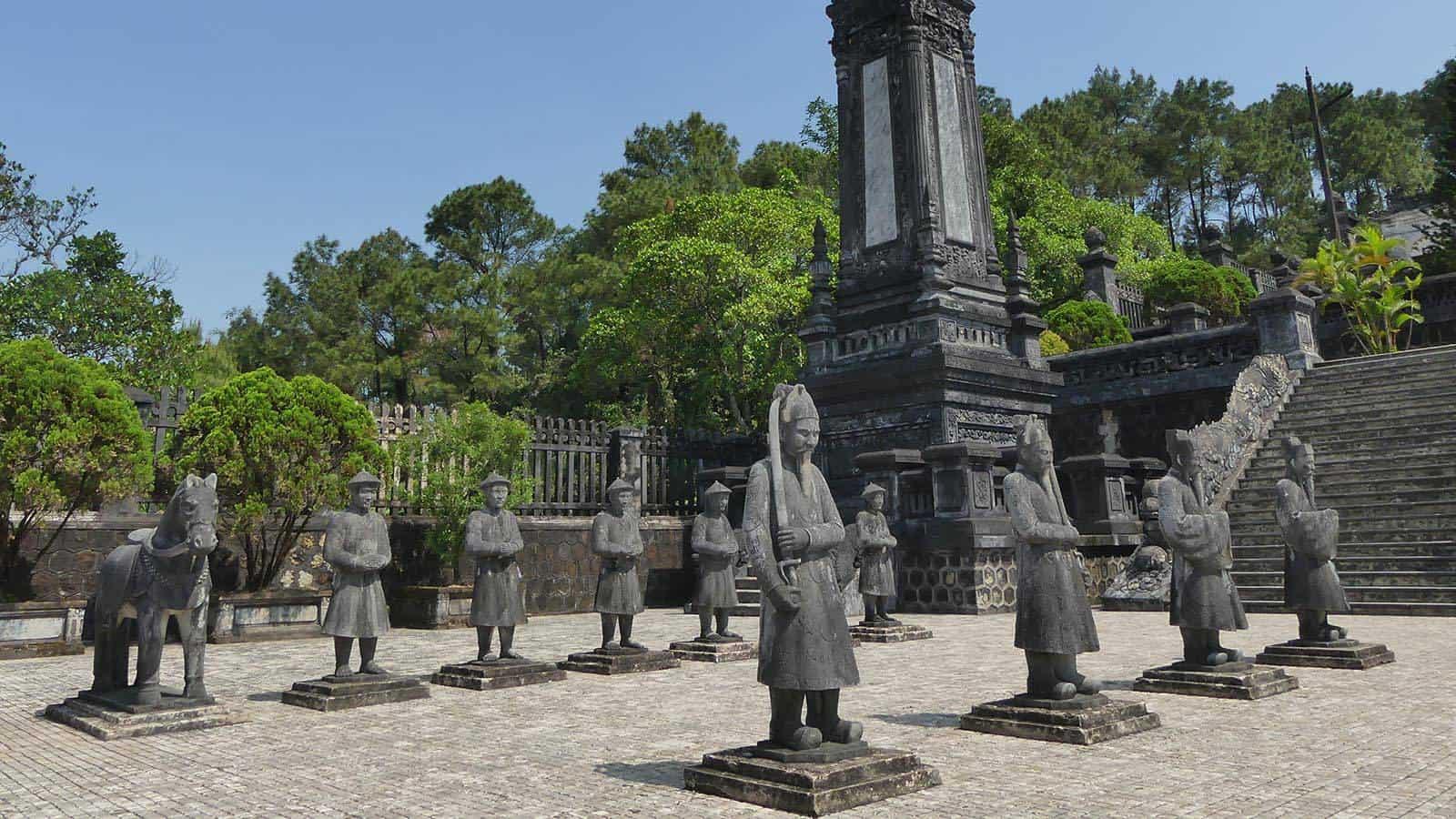 Best time to visit Khai Dinh tomb