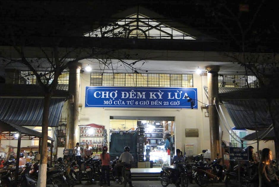 Ky Lua Night Market - Vietnam night markets