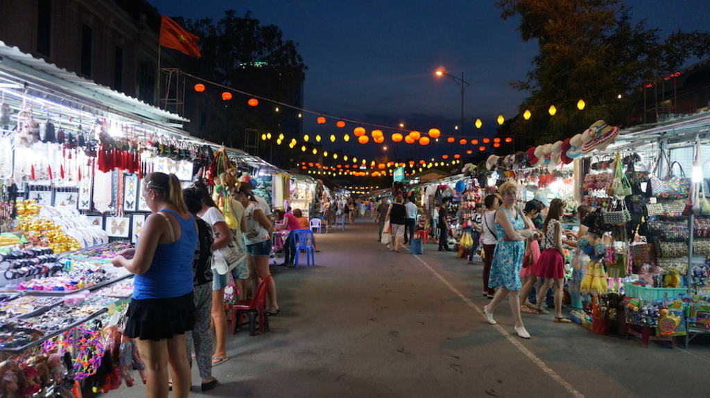 Nha Trang night market - Vietnam night markets