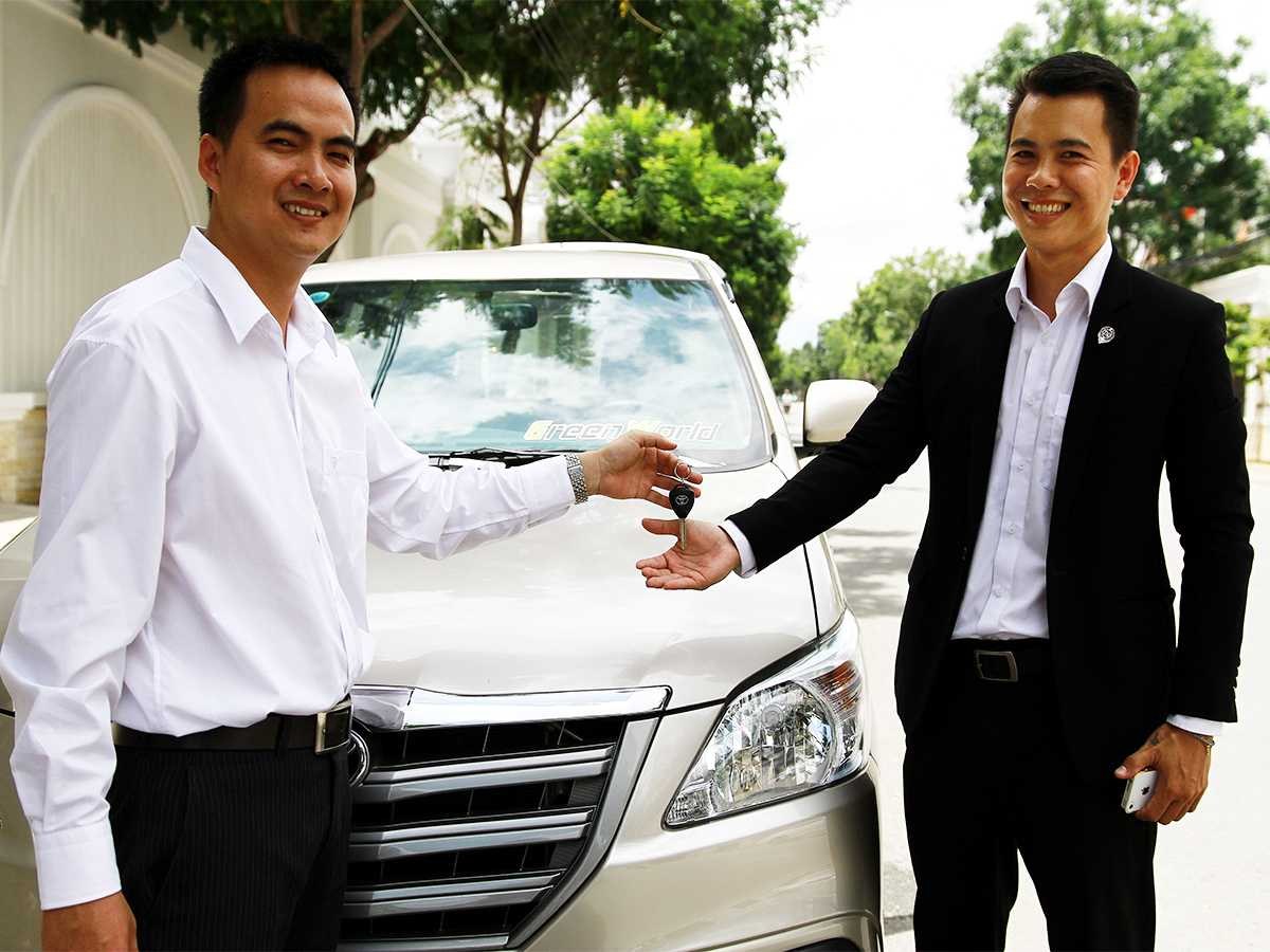 Pros and cons of renting a car in vietnam
