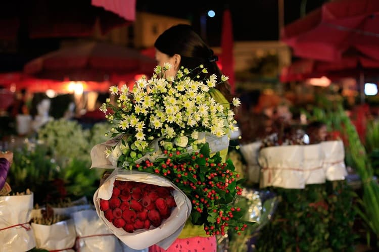 Quang Ba Flower Market - Early Morning Adventures In Hanoi, Vietnam