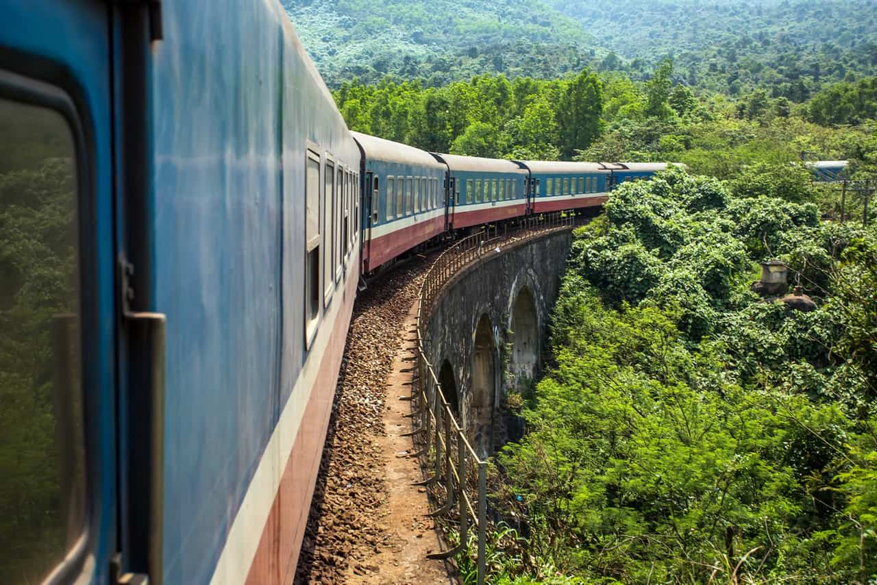 Travel from Ninh Binh to Hue by train
